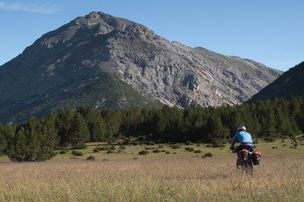 Rodando por los prados del Val Mora